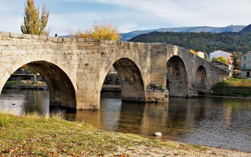 Puente de Navaluenga Ávila