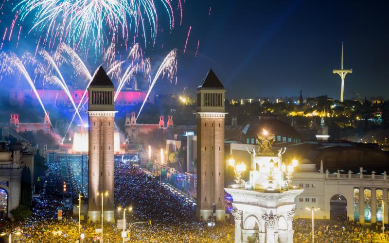 Plaza España y Montjuic en Nochevieja