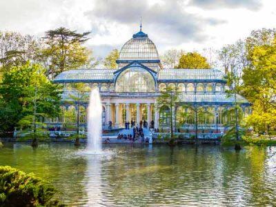 Ruta en Madrid por las Cerámicas Monumentales de Daniel Zuloaga
