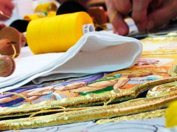 Un siglo de bordados para Semana Santa
