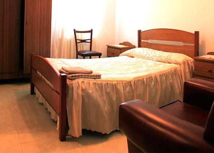 dormir abadin pension restaurante niza