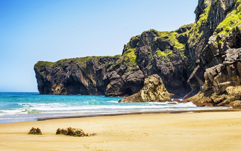 Playa andrin llanes