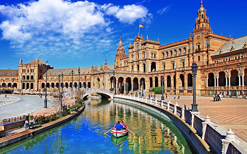 Plaza de España en Sevilla localizaciones de cine más míticas de España
