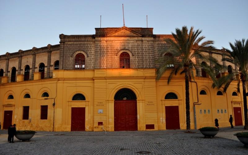 Vista exterior de la plaza de toros de Jerez