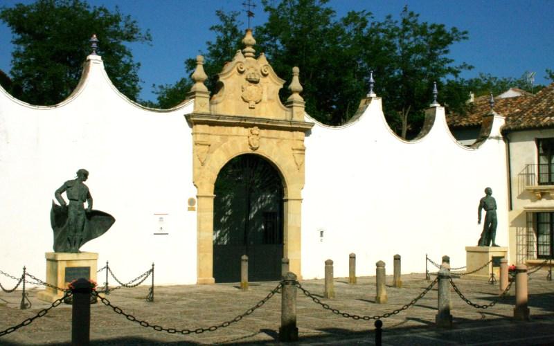 Entrada de la plaza de toros de Ronda