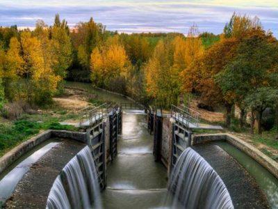 Descubre y navega por el Canal de Castilla