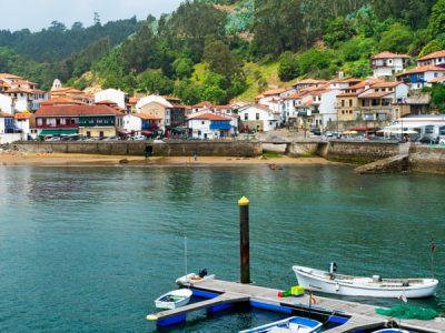 La ruta senderista de Carlos V, un paseo por la Asturias que recibió al emperador