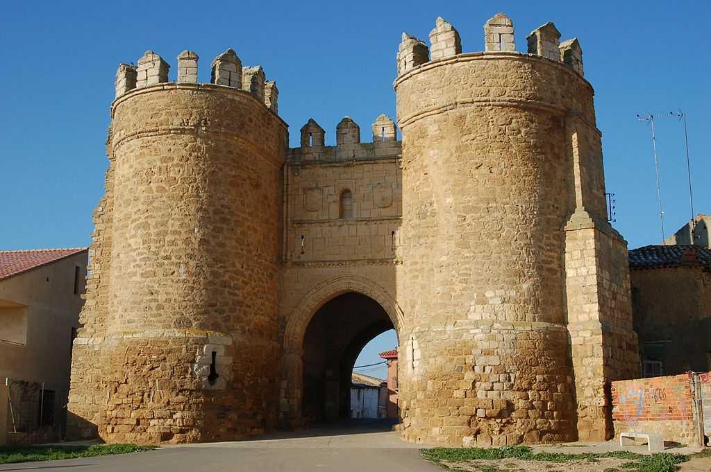 Puerta de San Andrés en Villalpando