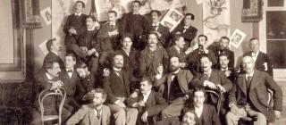 El ambiente de la redacción de la revista La Vida Literaria en 1899. Foto de Manuel Compañy (Residencia de Estudiantes).