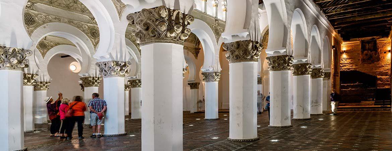 Rincones de la España sefardita: sinagoga de Santa María la Blanca, en Toledo.