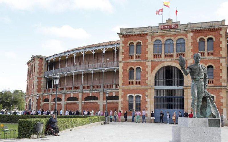 La Glorieta plaza de toros de Salamanca por fuera
