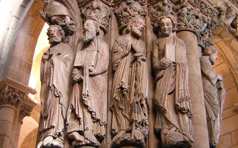 Pórtico de la Gloria, elemento clave de la catedral medieval
