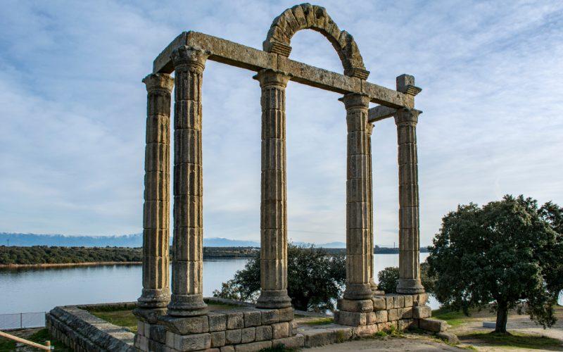 Arco romano en Talavera la Vieja