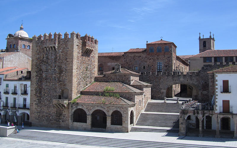 La Orden de Santiago y la reconquista de Cáceres
