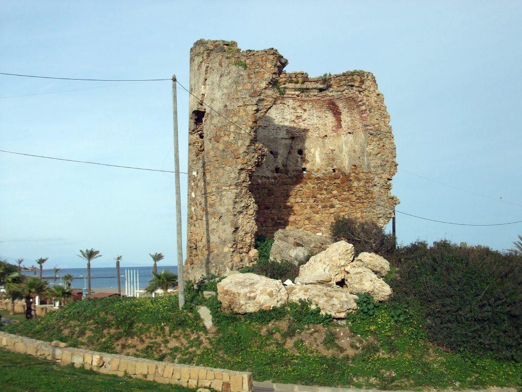 Torre quebrada de Torreguadiaro San Roque