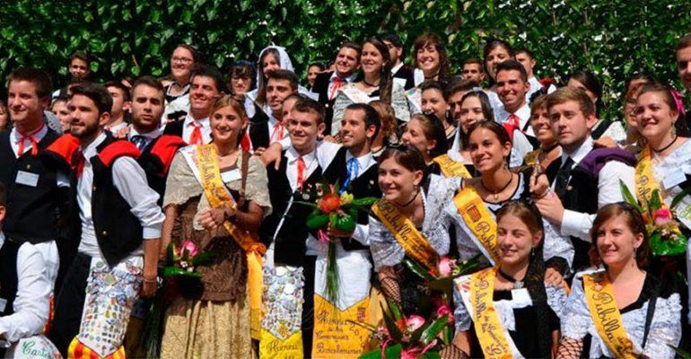 6deb337db8762 Trajes regionales de Cataluña – Traje de sardana y Traje de Pubilla