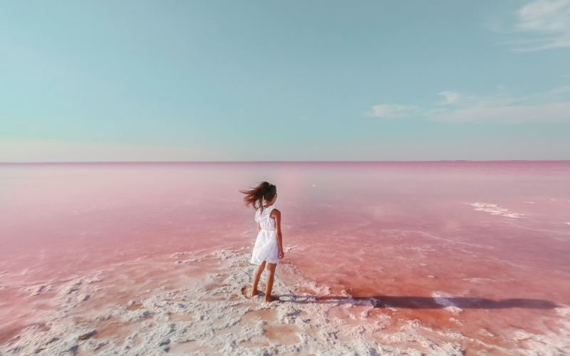 Un paseo entorno a la laguna rosa de Torrevieja