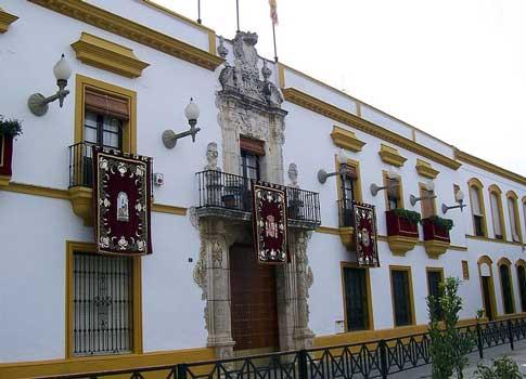 Palacio del Conde de Vistahermosa, actual Ayuntamiento de Utrera
