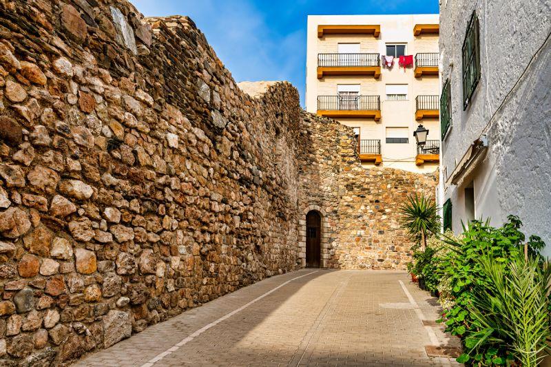 Murallas en Adra, uno de los pueblos más antiguos de España