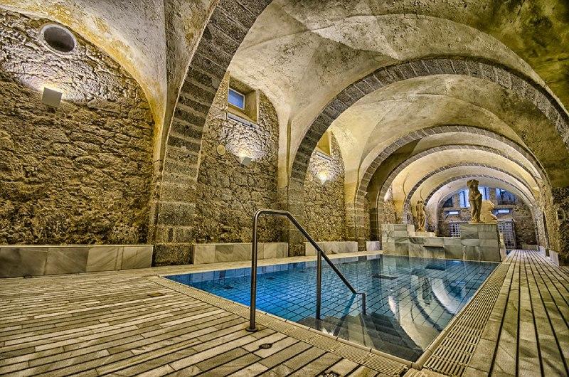 Baños de Montemayor, balneario y termas romanas