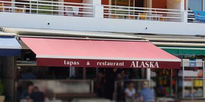 comer cala galdana restaurante alaska
