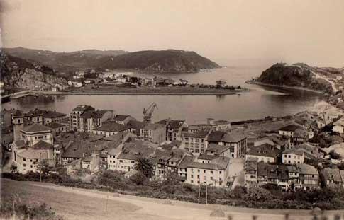 foto antigua de Ribadesella a principios del siglo XX
