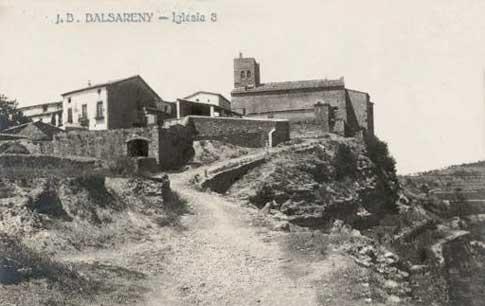Carte postale ancienne des maisons et de l'église de Balsareny