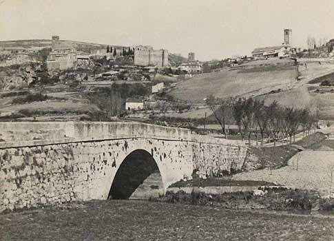 Vista antigua de Brihuega desde el río Tajuña
