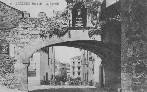 arco estrella de Cáceres