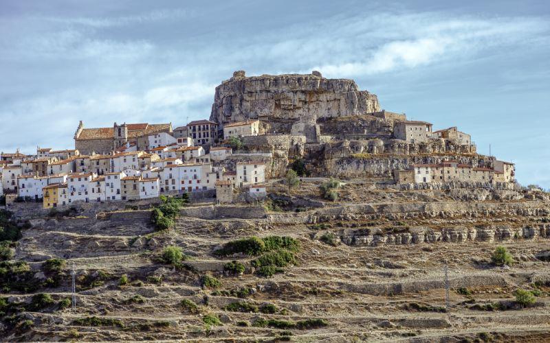 La muela del castillo domina Ares del Maestrat