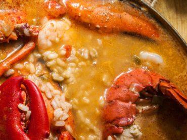 Receta de arroz con bogavante, el plato perfecto para una ocasión especial