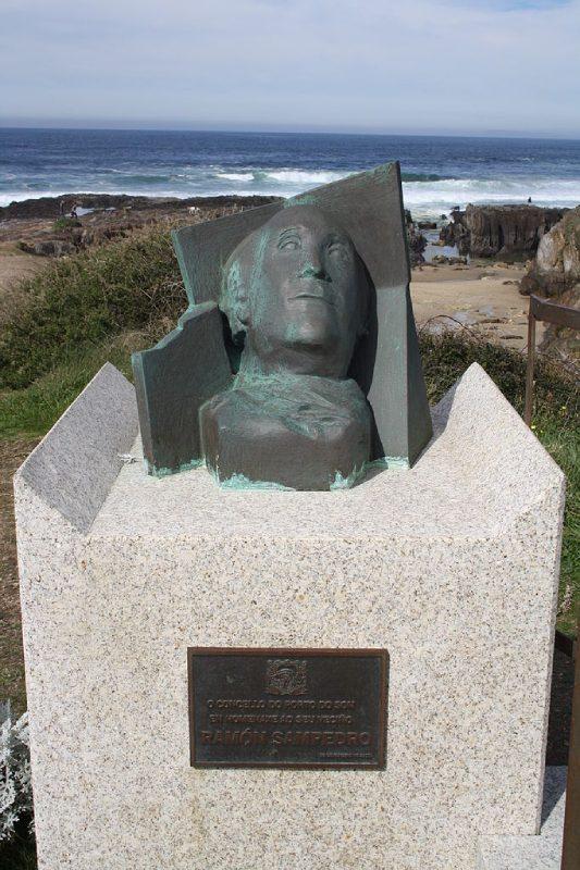 Busto de Ramón Sampedro en As Furnas