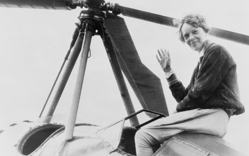 Imagen de Amelia Earhart sobre un autogiro