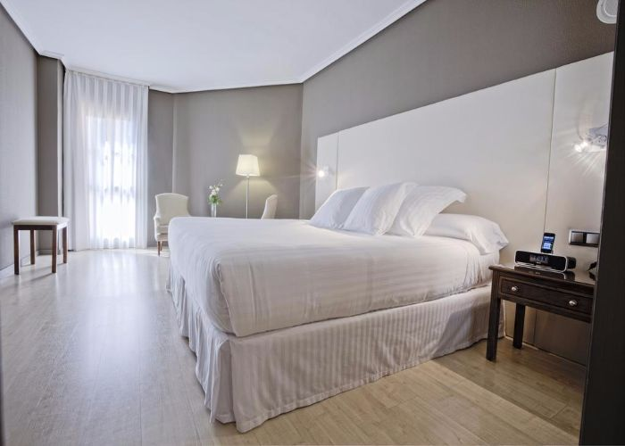 dormir caceres hotel barcelo caceres V centenario