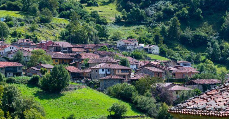 Bermiego, el pueblo asturiano donde el tiempo se detiene
