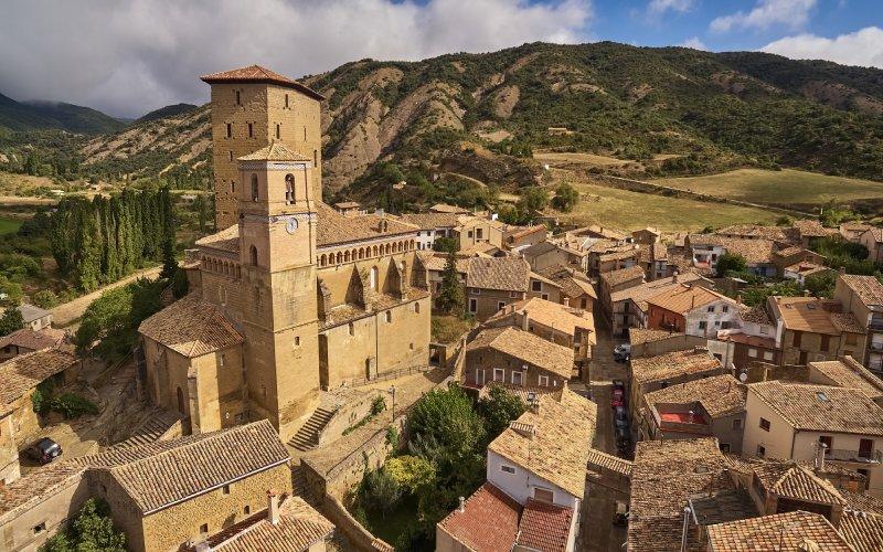 Biel entremezcla el estilo románico, judío y medieval en su arquitectura