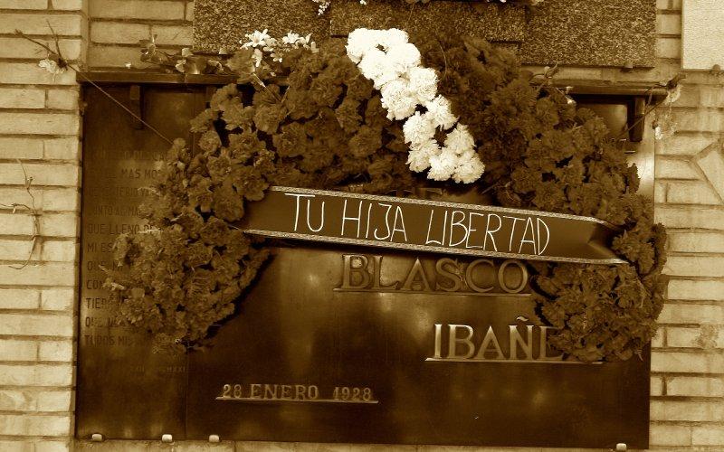 Tumba de Blasco Ibáñez museo del silencio valencia cementerio