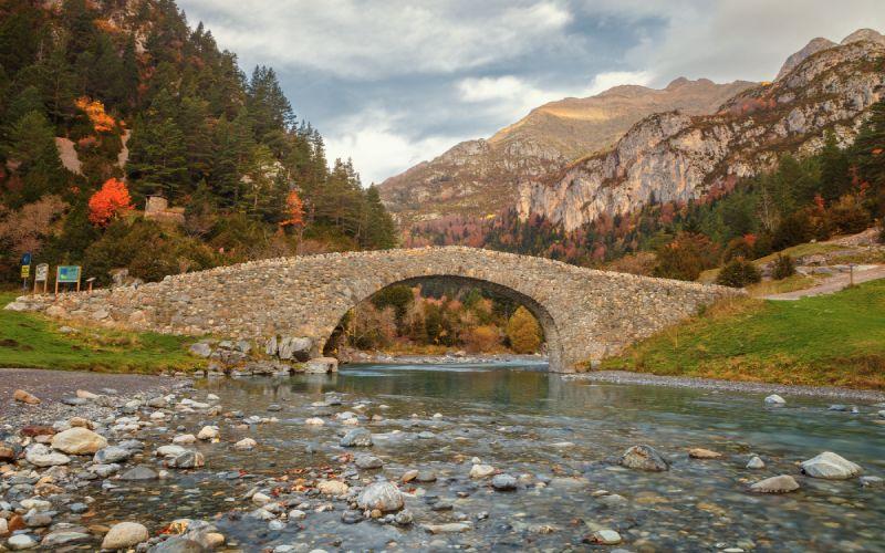 Puente de los navarros, en el valle de Bujaruelo