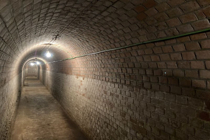 Túnel del refugio antiaéreo en el Parque de El Retiro