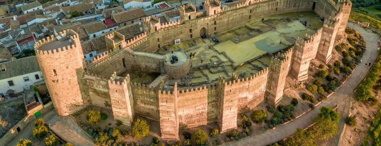 Castillo de Baños de la Encina desde el aire