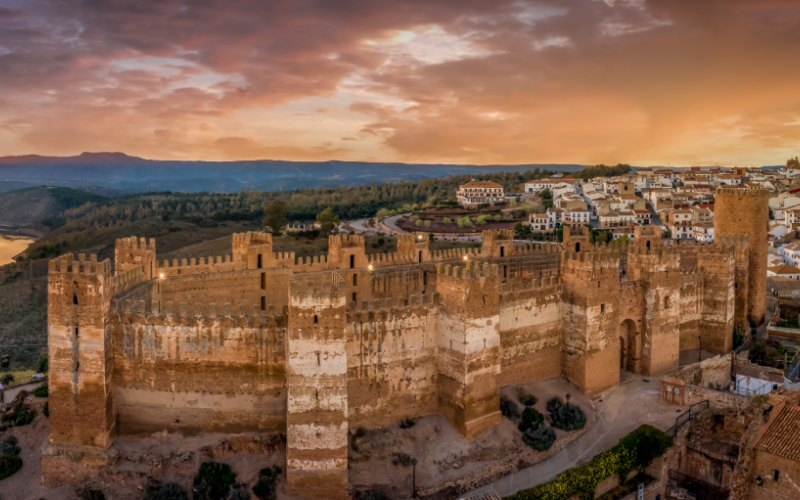 Castillo de Baños de la Encina al atardecer
