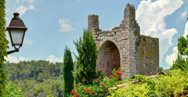6 Impressive Medieval Towns in Catalonia