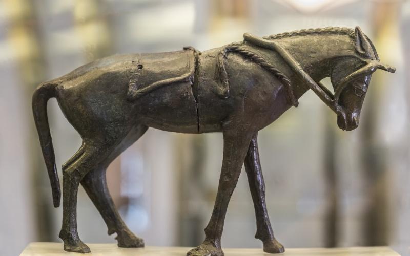 Figura de un caballo del Palacio Santuario de Cancho Roano