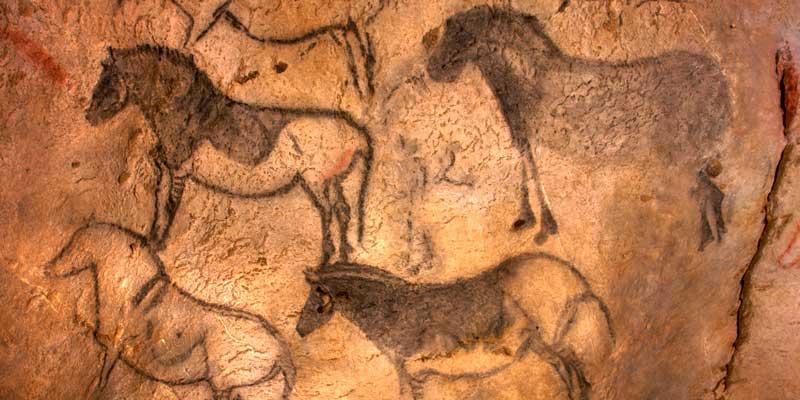 Pinturas de caballos en la Cueva de Ekain