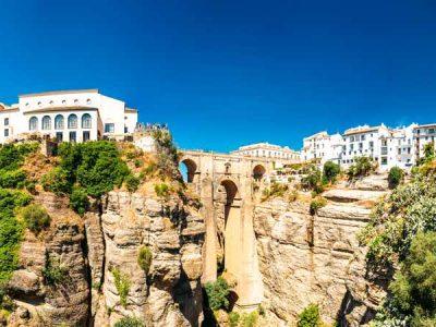 Descubre los pueblos blancos de Andalucía