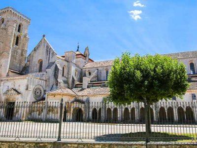 Monasterios españoles que te dejarán sin aliento