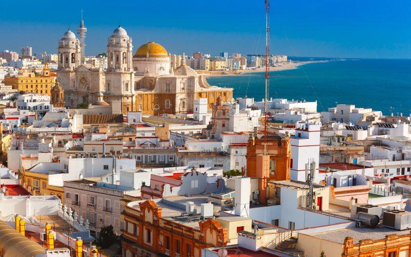 Cádiz con su catedral