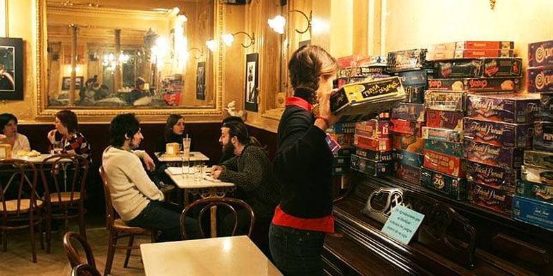 juegos mesa madrid cafe manuela