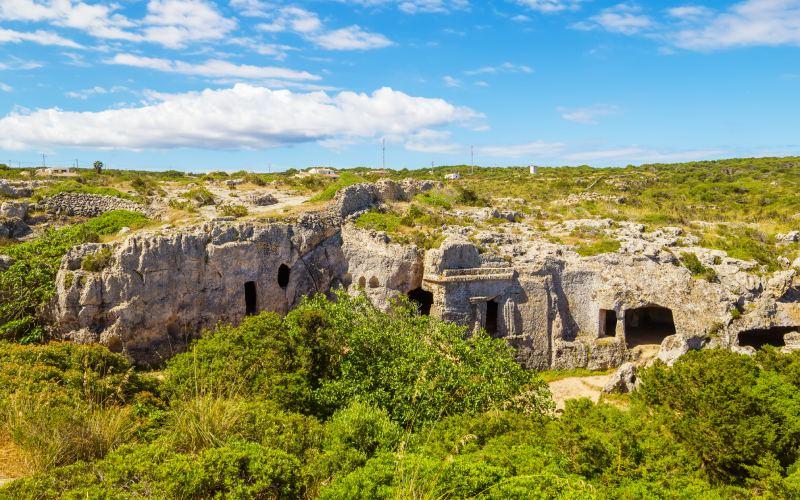 Panorámica de los restos talayóticos de Cala Morell