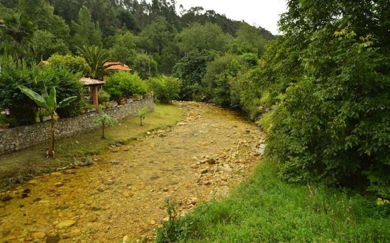 Camin Encantau, en Asturias